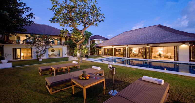 Vacation villa rental in Bali - Seminyak - Batubelig - Villa 231