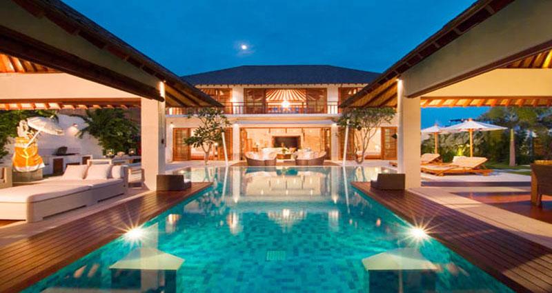 Vacation villa rental in Bali - Seminyak - Batubelig - Villa 240